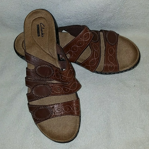 bde2befd89a Clarks Shoes - NWOT Clarks Leisa Cacti Sandals